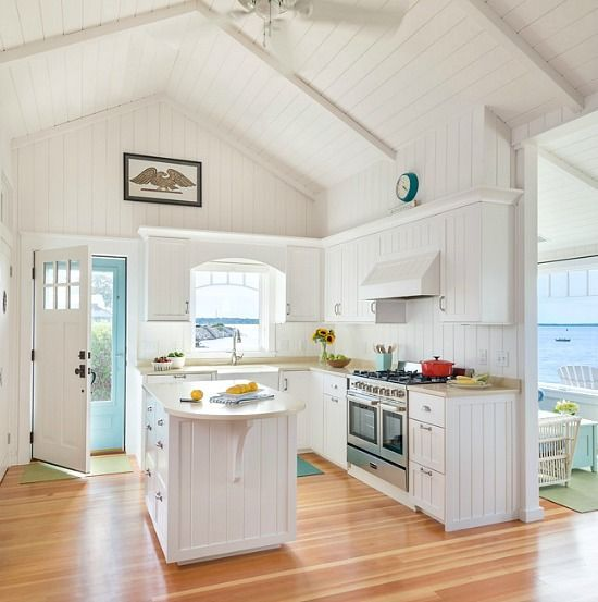 Beau Charming New England Beach Bungalow. White Cottage KitchensSmall ...