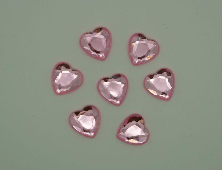 Søde små facetslebne hjerter med flad bagside.