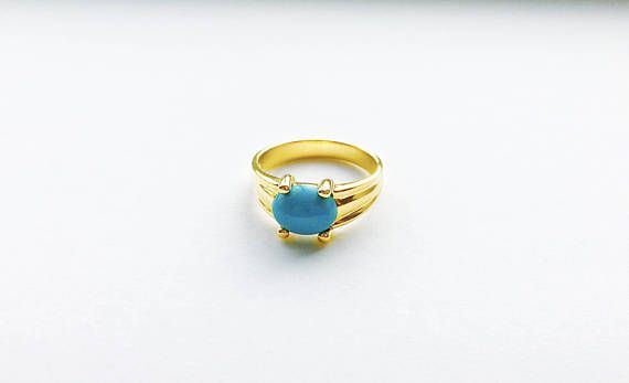 Vintage Turquoise Colored Oval Cabochon Stone Ring set in