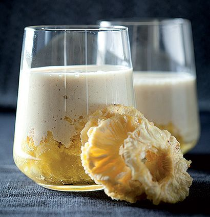 A delicious pineapple and rolled-oats smoothie that's packed with good energy.