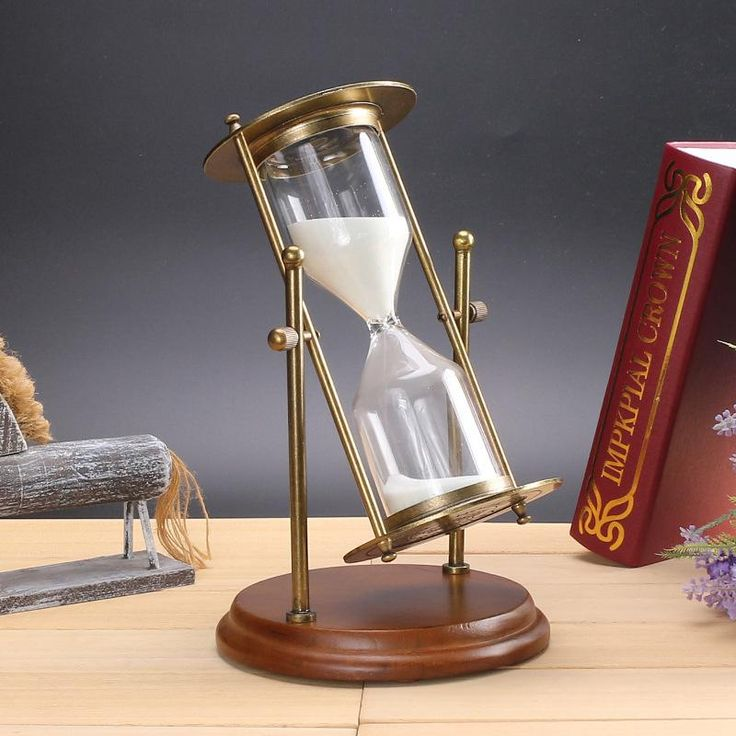 #a 15 minute Creative arts and crafts ornaments alloy log base rotation hourglass office accessories Home Furnishing ornaments