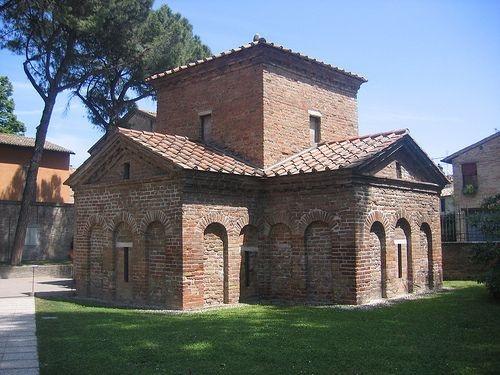 Mausoleo de Galla Placidia. Rávena. S. V. Arte Paleocristiano.