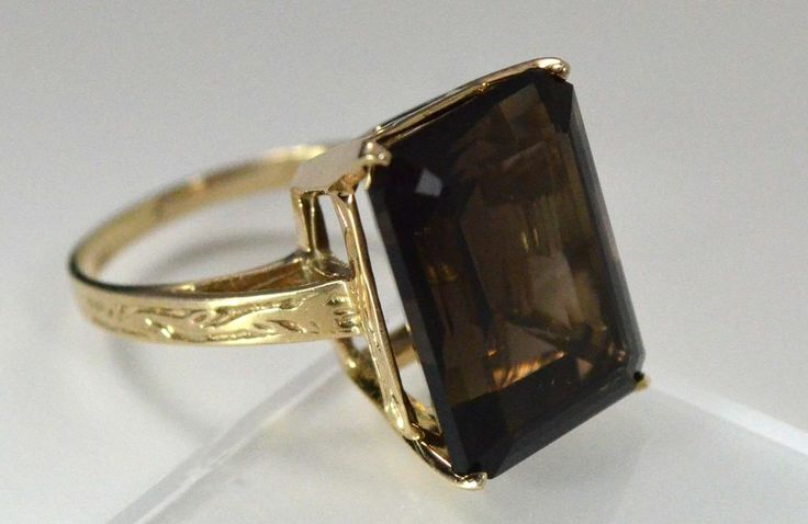 Vintage 12ct Smoky Quartz Ring in 10K Gold Setting w Hand Crafted Vine Etchings
