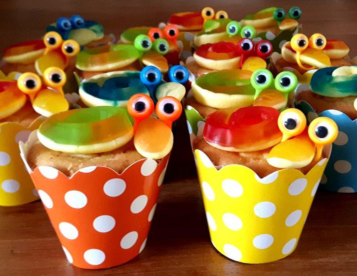 doe het zelf pakketje van i-Presents. alleen zelf cupcake toevoegen, eenvoudig en snel klaar
