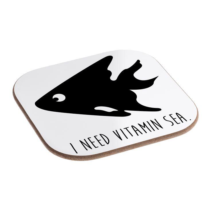 Quadratische Untersetzer Fisch 2 aus Hartfaser  natur - Das Original von Mr. & Mrs. Panda.  Dieser wunderschönen Untersetzer von Mr. & Mrs. Panda wird in unserer Manufaktur liebevoll bedruckt und verpackt. Er bestitz eine Größe von 100x100 mm und glänzt sehr hochwertig. Hier wird ein Untersetzer verkauft, sie können die Untersetzer natürlich auch im Set kaufen.    Über unser Motiv Fisch 2  ##MOTIVES_DESCRIPTION##    Verwendete Materialien  Hartfaser ist ein hochwertiges und langlebiges…