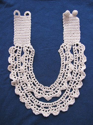 VIntage inspired crochet necklace / collar