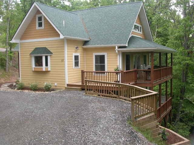 7 best cool cabin rental asheville nc images on for Asheville cabin rentals pet friendly