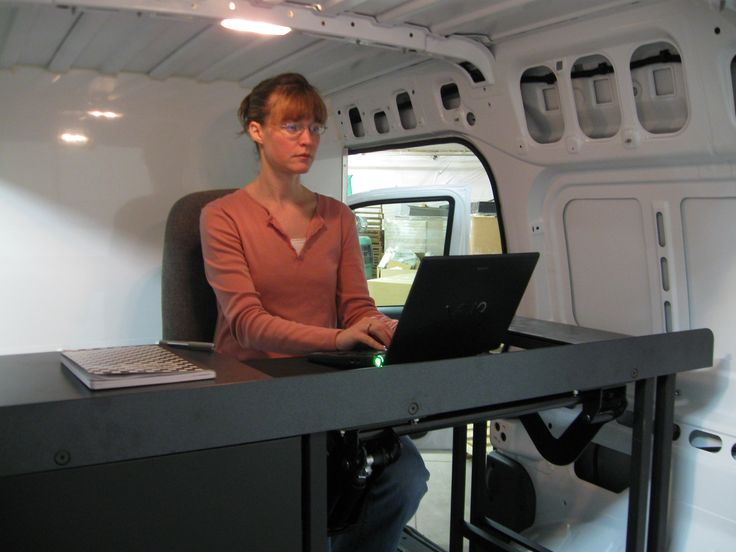 Mobile Office Van Desk With Worker Goergo Com Vango