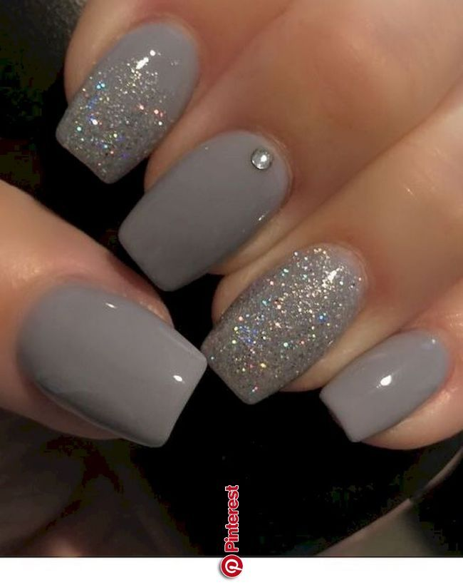 Classy Nails Art Sparkling Silver Color For Spring And Summer