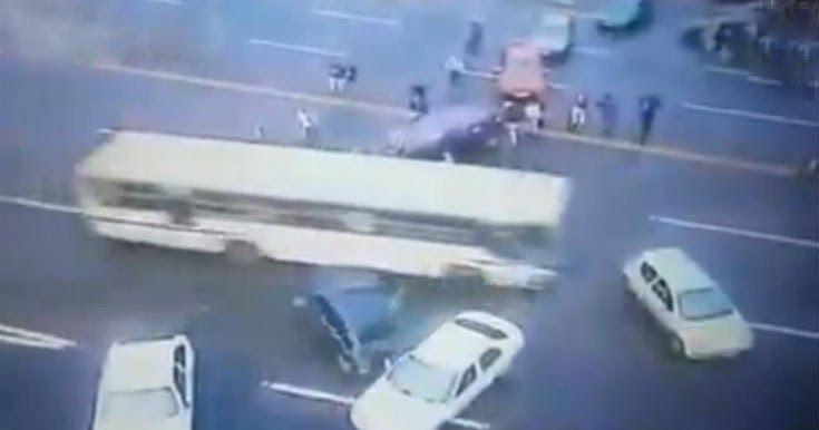 Απίστευτο βίντεο: Δείτε πως «σπάνε» τα μπλόκα των δρόμων στην Βραζιλία