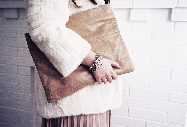 I would love to make a leather laptop case like this ♥Fur Coats, Faux Fur, Leather Laptops, Frostings Mesh, Colors Shades, Mesh Bracelets, Laptops Cases, Large Faux, Lulu Frostings
