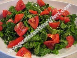 Oktay usta roka salatası tarifi |