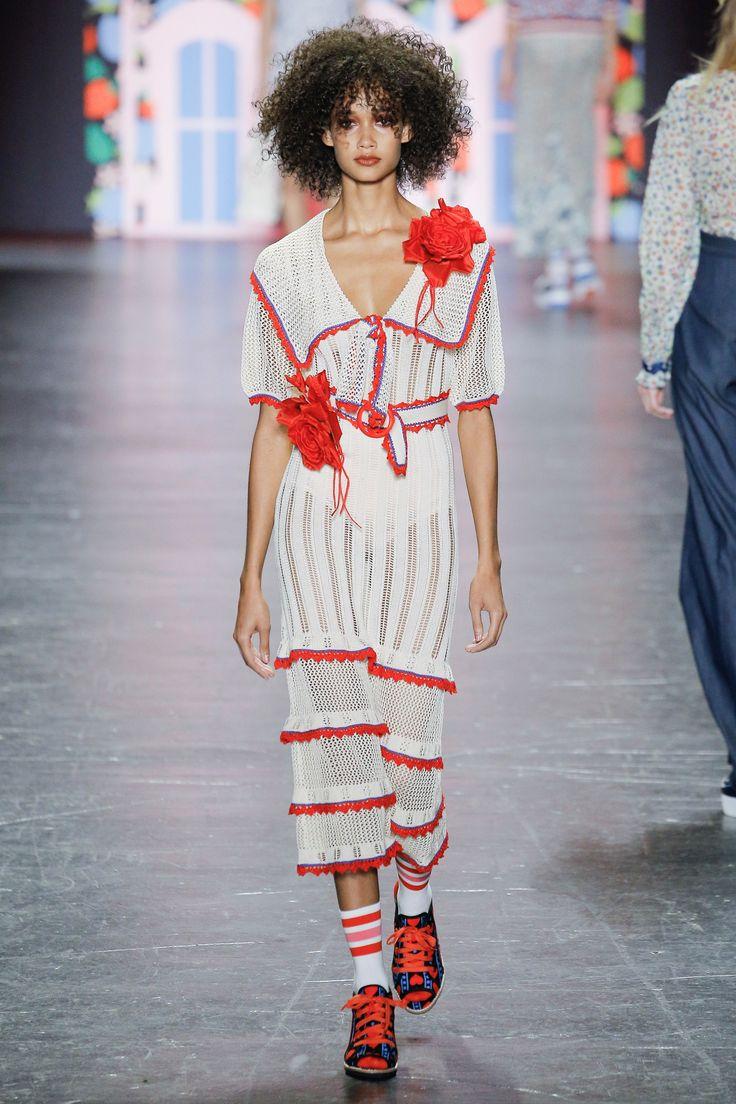 #AnnaSui  #fashion #Koshchenets   Anna Sui Spring 2017 Ready-to-Wear Collection Photos - Vogue