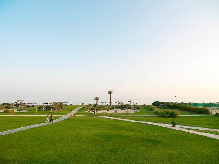 Das Gartengelände rund um den ROBINSON Club Playa Granada