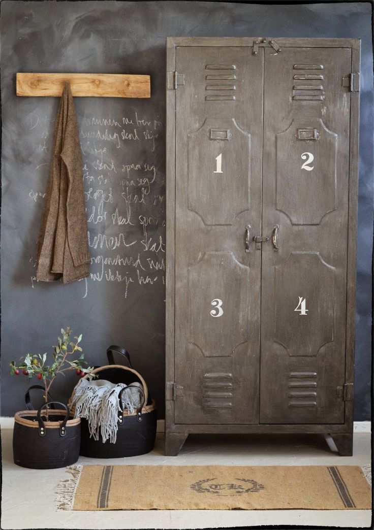 Great locker, the white numbers on it are really great, and the black charcoal wall is perfect for the vintage atmosphere! #LaBoutiqueVintage