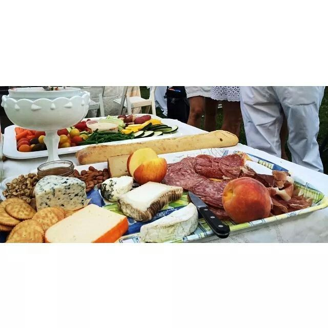 Fete en blanc columbus ohio picnic with a purpose proceeds for Food pantry columbus ohio