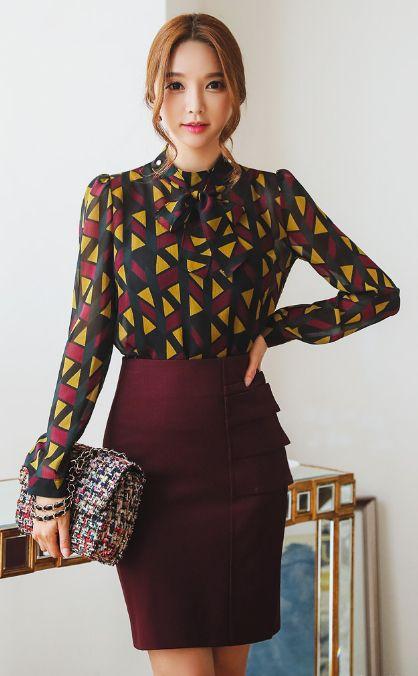 StyleOnme_Pintuck Side Flap Detail Pencil Skirt #chic #feminine #pencilskirt #wine #autumnlook #falltrend #koreanfashion #seoul #kstyle