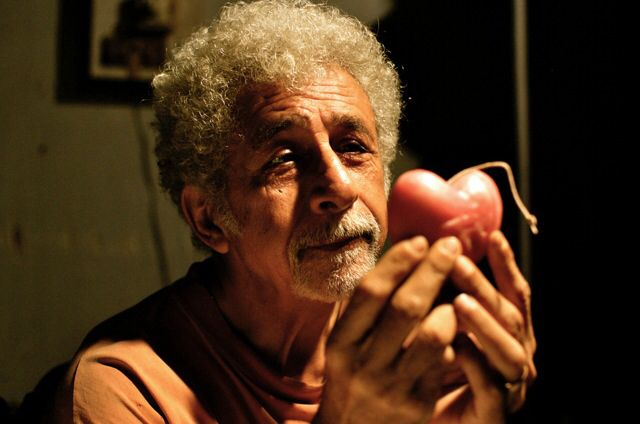 Ferdie aka #NaseeruddinShah is on the journey to find love. Will he succeed? What do you guys think? #FindingFanny