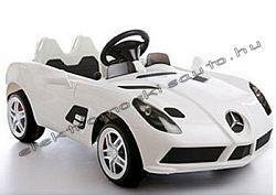 Eredeti Mercedes SLR Stirling Moss 12V-os elektromos kisautó.  http://www.elektromoskisauto.hu/webset32.cgi?Papillon_2000@@HU@@97@@727104991