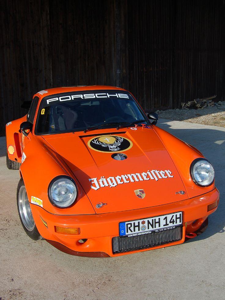 1975er Porsche 911 S 2,7 Coupé, Aufbau im Stil des 1974/75er Jägermeister-Carrera RSR