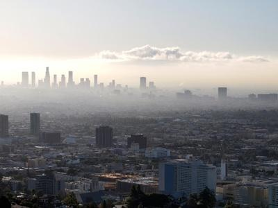 Air Pollution Linked to Chronic Heart Disease    ScienceDaily (June 5, 2012) — Air pollution, a serious danger to the environment, is also a major health risk, associated with respiratory infections, lung cancer and heart disease. Now a Tel Aviv University researcher has concluded that not only does air pollution impact cardiac events such as heart attack and stroke, but it also causes repeated episodes over the long term.