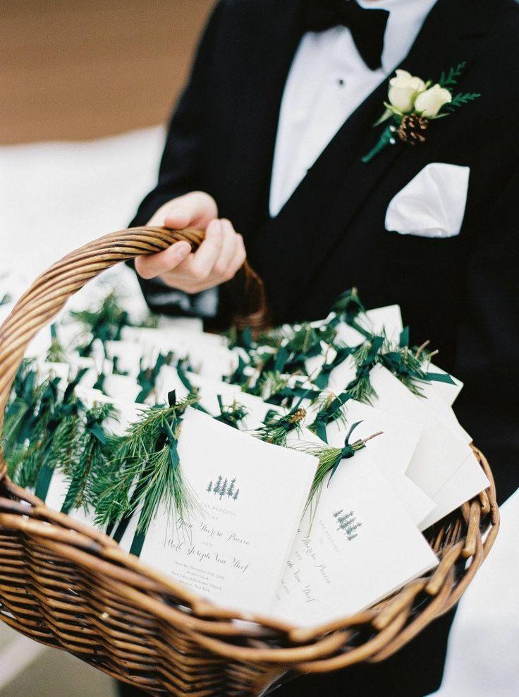 10 Hochzeitsideen im Winterwunderland für eine Feier im Schnee – Programme mit …   – Wedding Stationary Ideas