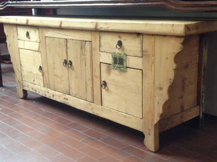 17 migliori idee su credenza antica su pinterest credenza verniciata buffet antico e mobili - Mobili legno grezzo ikea ...