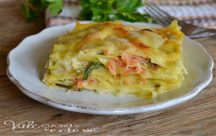 Lasagne con asparagi e salmone primo piatto, un gustoso e strutturato primo della domenica e delle feste, sono delle lasagne dal sapore molto delicato