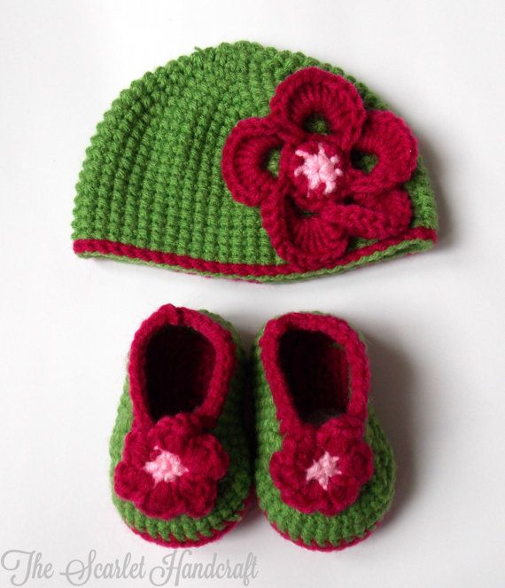 Flower Booties and Hat Set. Handmade Baby by TheScarletHandCraft