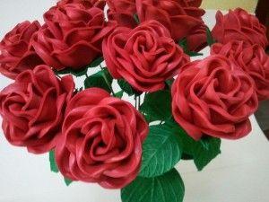 Ramo flor artesana foam. Rosa grande