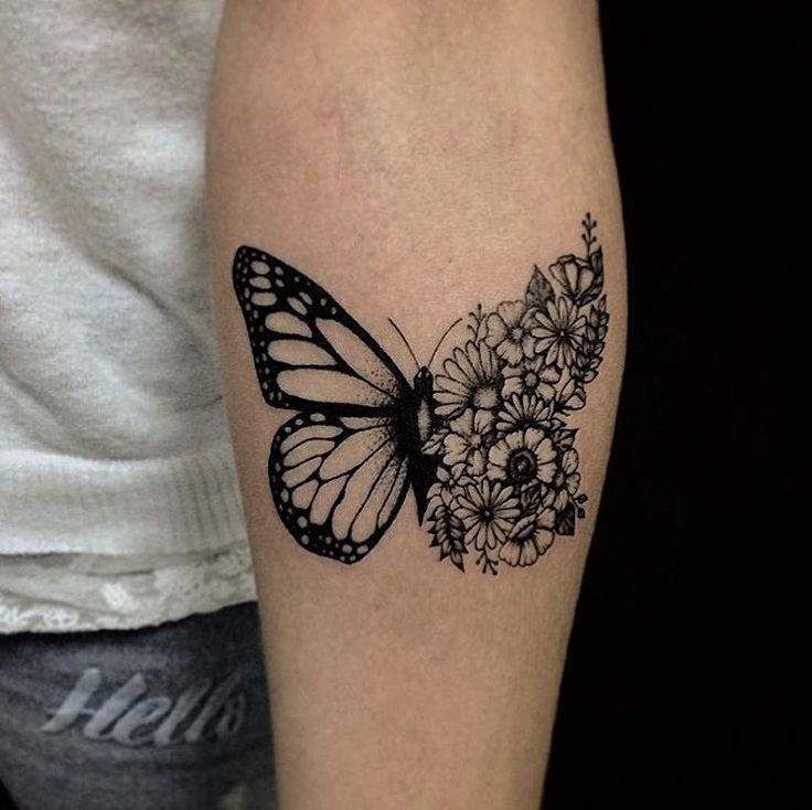 tatouage-papillon-noir-fleurs-avant-bras