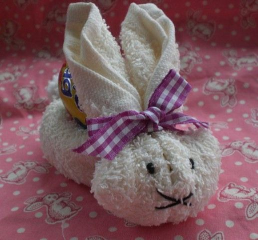 How to Make an Easter Bunny Rabbit from a Facecloth (Washcloth) | Anjie's Blog