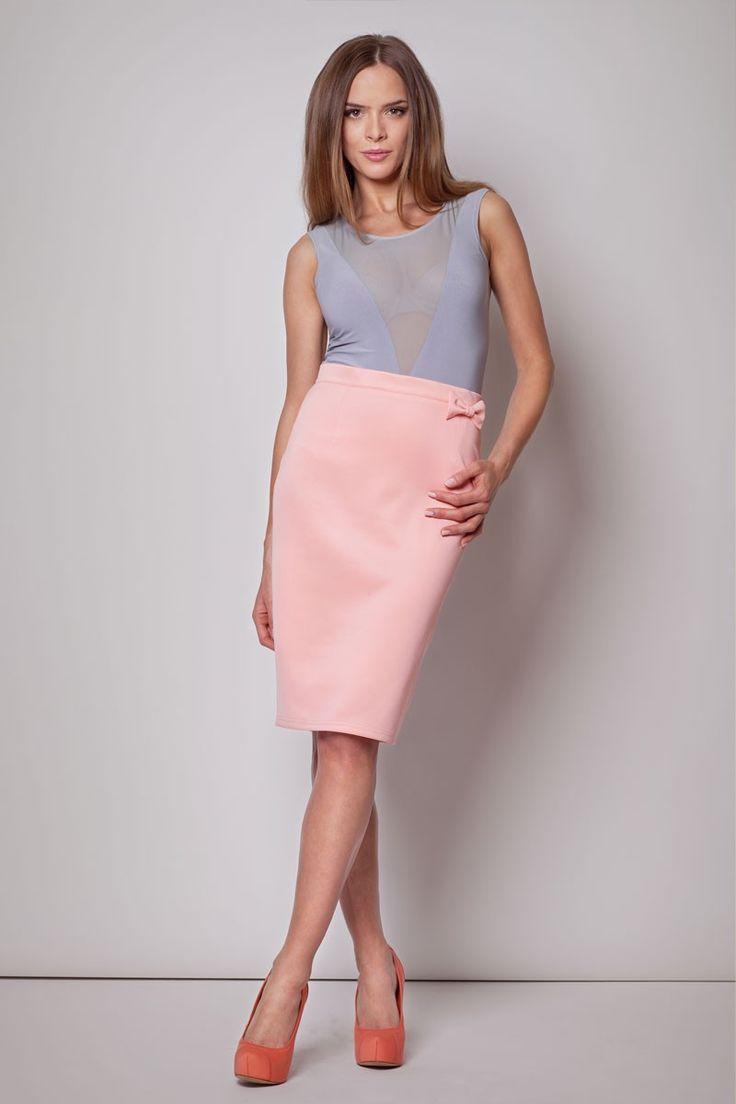jupe taille haute rose avec noeud fantaisie sur la hanche les nouveaut s pinterest. Black Bedroom Furniture Sets. Home Design Ideas