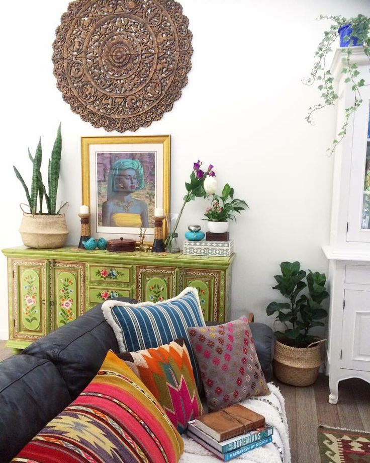 Eclectic bohemian interior decor