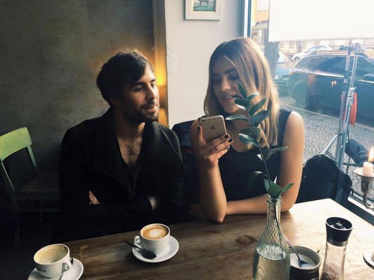 Max Giesinger mit der schönen Stefanie Giesinger beim Videdreh