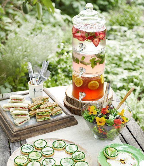 Schöne Ideen für ein Buffet auf einer Sommerparty