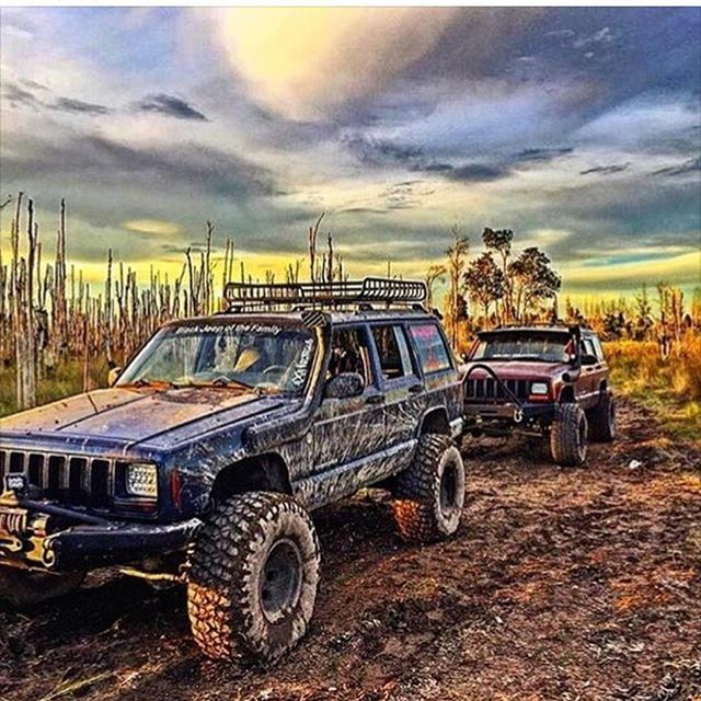 Jeep owner: @4x4rebels  Feature?: DM JeepCherokeesIG@Gmail.com #️⃣JeepCherokeeXJ #️⃣JeepCherokeeVideo