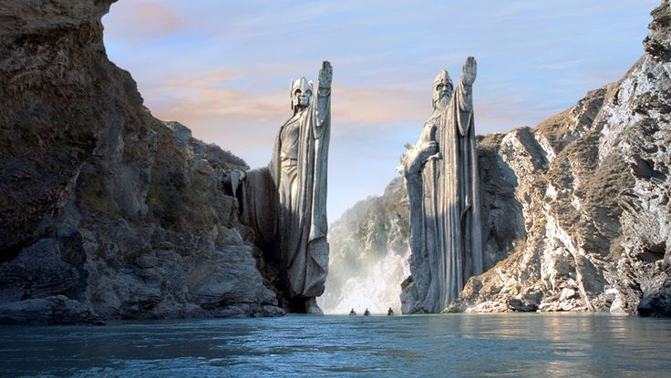 Day 18. Coolest visual effect - Argonath. And the way they used size-doubles. Also, ALL of Andy Serkis' performance!
