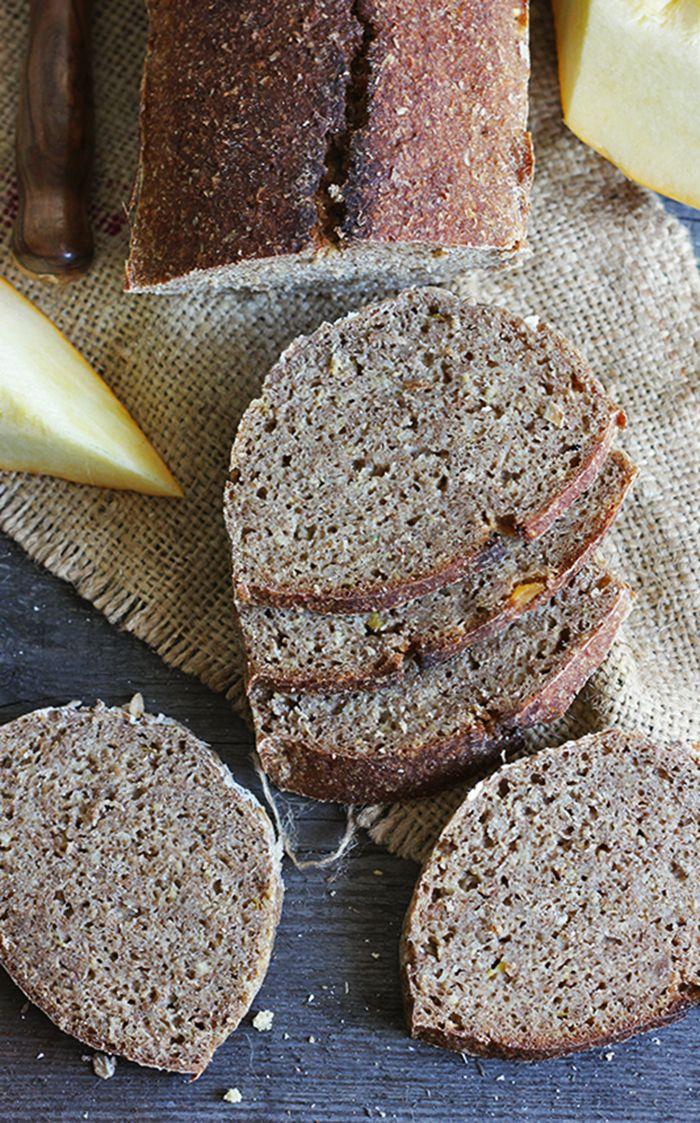 chleb dyniowy z kaszą jaglaną na zakwasie żytnim