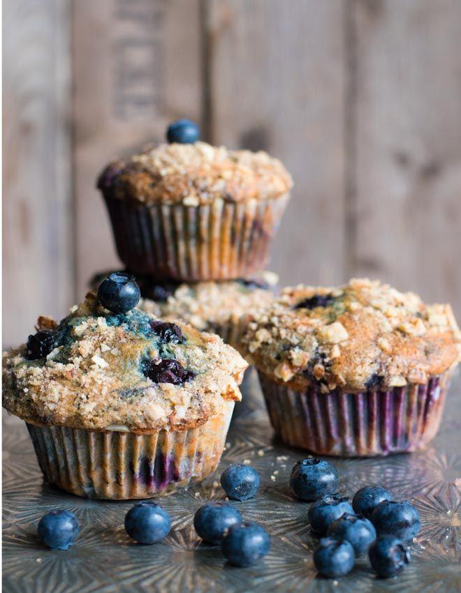 Blaubeer-Joghurt Muffins mit Streuselnüssen