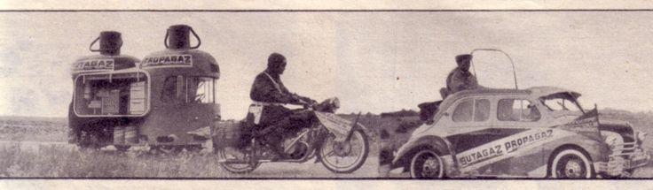 """Caravane Butagaz 1956 - """"Point de vue - images du monde"""" N° 425 du 3 août 1956, une photo du Renault 1400 kg bi-bouteilles orange et bleu Butagaz-Propagaz dans l'étonnante armada de la caravane du Tour de France""""Sport & Vie"""" N° 15 d'août 1956"""