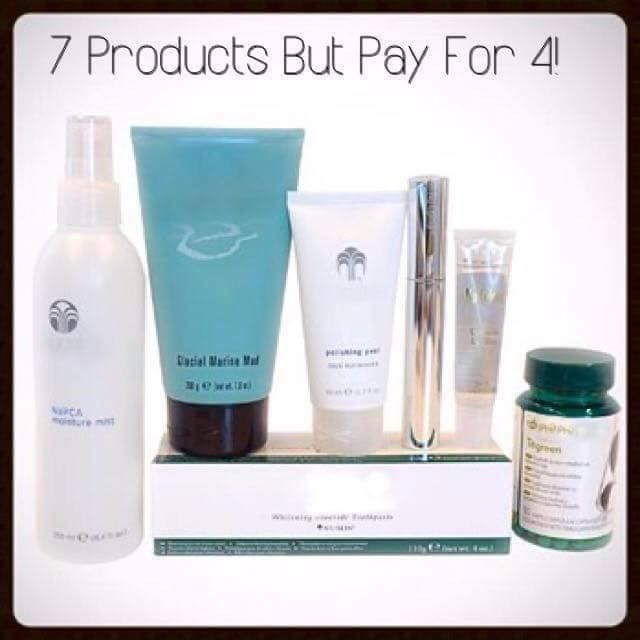 Looking for something a bit special for Christmas?  Why not get our amazing beauty box. Contains full size products: ⭐️Marine mud mask ⭐️Whitening toothpaste ⭐️Polishing peel ⭐️Contouring lipgloss ⭐️Fantastic curling mascara ⭐️Moisture mist Best thing about this beauty box? You get 7 fantastic products for the price of 4!! ORDER direct http://bashfulbabesbeauty.nsproducts.com