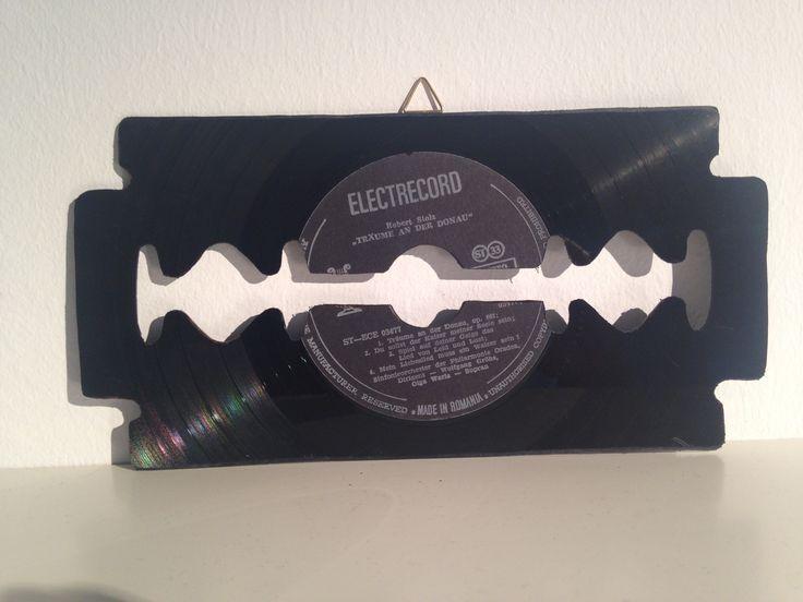 Vinyl razor blades