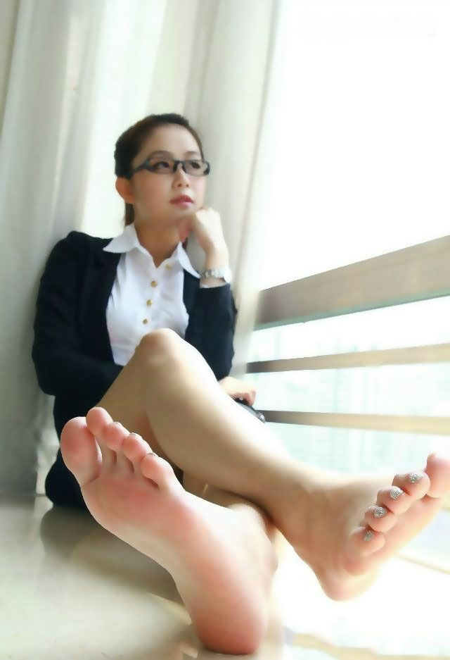Asian foot girl