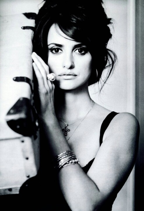 penelope cruz via theresa burger young my people pinterest pictures hair and love the. Black Bedroom Furniture Sets. Home Design Ideas