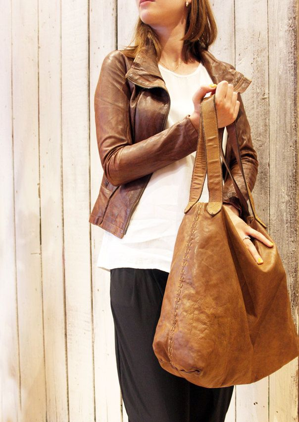 "Handmade Italian Brown Leather Messenger Bag ""Line Bag"" di LaSellerieLimited su Etsy"