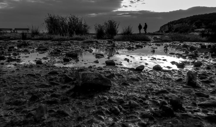 low tide season in sarwnikos golf
