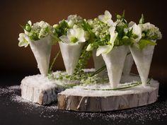 Vandaag nemen we afscheid van een groots floral designer. Om hem te eren, blikken we terug naar zijn tafeldecoratie voor het interactief internationaal