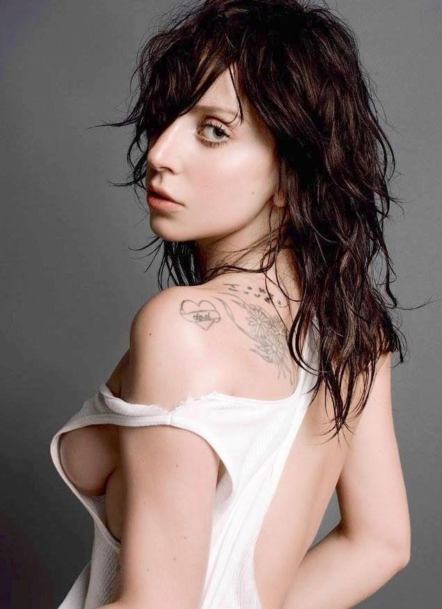 Hiphop lady gaga stream naked man