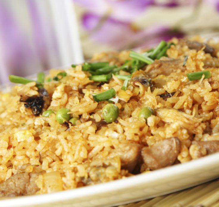 Κινέζικο ρύζι με γαρίδες και κοτόπουλο